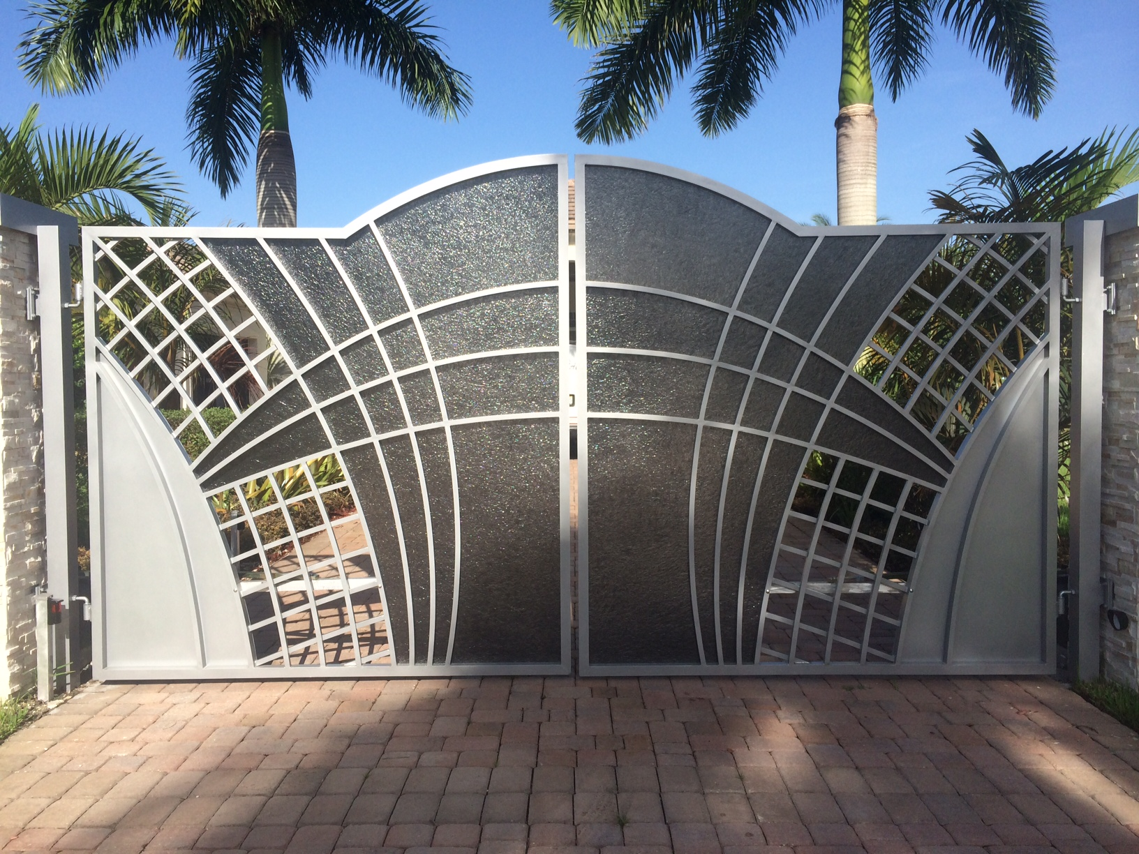 Wrought iron aluminum unique custom modern contemparary for Aluminum driveway gates prices