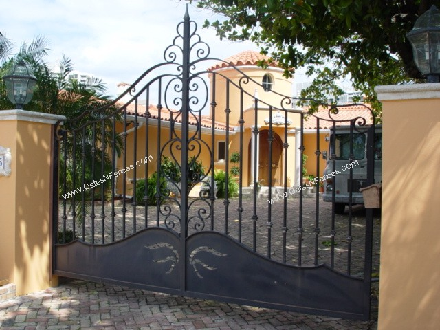 The Iron Gates Custom Design Driveway Iron Gate The Iron
