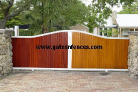 This privacy Gate looks like wood but is not Metal slats in many wood looking grain available