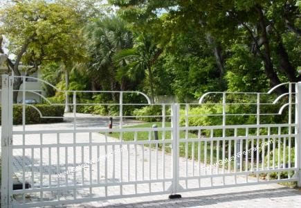 ELECTRIC GATES AMP; DRIVEWAY GATES PERTH | FENCEMAKERS